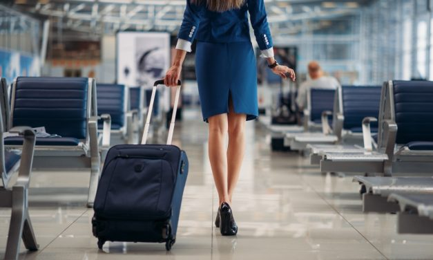HOW TO BECOME A FLIGHT ATTENDANT IN THE MIDDLE EAST